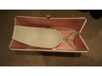 Stokke Flexi-bath - pink, with newborn bath support