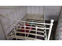 White metal daybed/single bed need gone