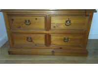 Beautiful Solid Oak Chest of Drawers and Two Bedside Lockers from £35