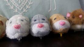 Zhu Zhu pets and interchangable sets