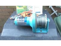 12 volt superwinch .as new condition