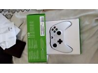 Like new Xbox one S controller boxed