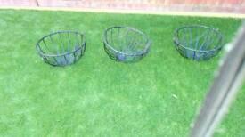 3 x hanging Baskets