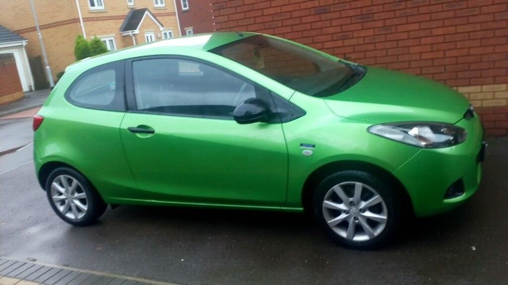 b7b50d1307608e 2010 Mazda 2 1.3 petrol 3 door Car low miles 24k Green 1 Owner