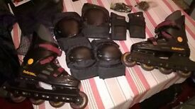 ROLLER BLADES SIZE 5 AND PADS