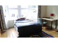 Bright Large Double Room just off Gloucester road / Cheltenham Road in BS6
