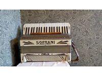 Piano accordian, Soprani, beautiful item.
