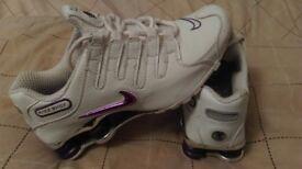 Fantastic pair of Womens/Girls Nike Shox size UK6 £25 (RRP £75)