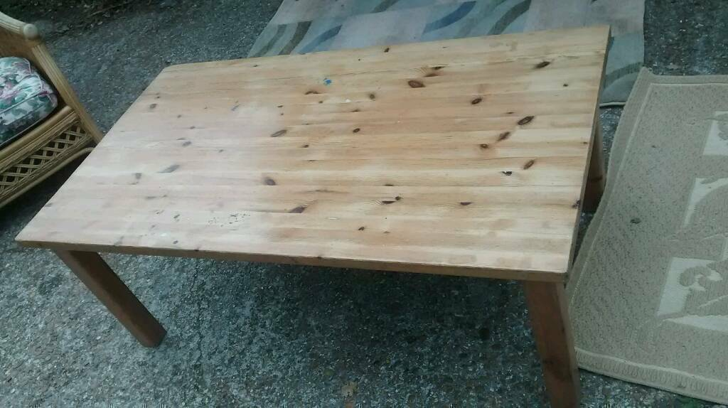 PINE COFFEE TABLE EX LARGE IN NEED OF SLIGHT ATTENTION (FEW MARKS ON SURFACE)