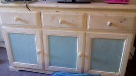 Sturdy cabinet