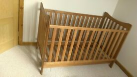 KUB Cot Bed and Changing table