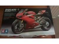 Tamiya Ducati 1/12 scale model bike kit New