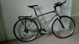 Trek 7.5 FX Hybrid Bike plus extras