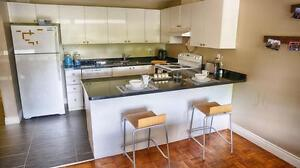 Western students! 4-mo. leases avail. at Talbot + Ann! WIFI INCL
