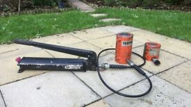 Hydraulic Hand Pump & 50Ton Rams