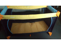 Play pen Travel Cot