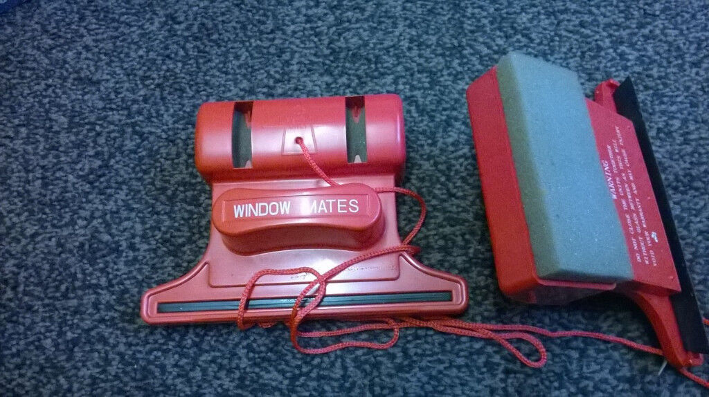 Window wizard magnetic window cleaner Red (used once/in box)