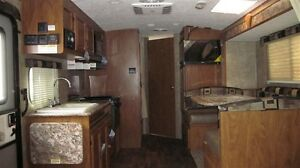 2016 Outdoors RV Creek Side 23BHS Comox / Courtenay / Cumberland Comox Valley Area image 10