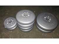 8 x York Weight Plates / Barbell Weights / Dumbbell Weights (2x 5KG / 4 x 2.5KG / 2 x 1.25KG)