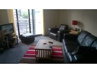 beautiful modern two bedroom flat in centre off edinburgh close to all amenities
