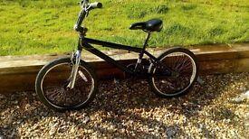 Neco black and chrome freestyle/BMX bike with Twist Hi Ten Custom Tubing. 30 cm frame.