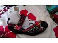 Skechers sandals size 3