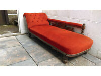 Beautiful Vintage Chaise Longue in Excellent Condition