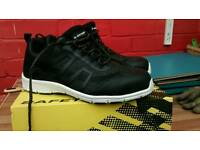 Dunlop safety trainers Maine