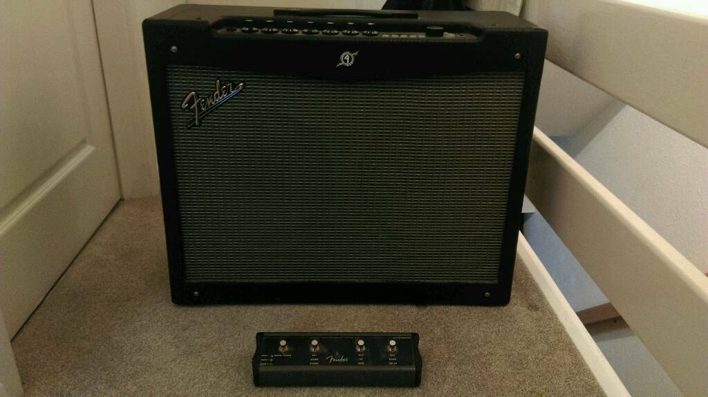 fender mustang iv v1 150w guitar combo amp in carlton nottinghamshire gumtree. Black Bedroom Furniture Sets. Home Design Ideas
