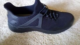 Skechers BRAND NEW memory foam air cooled black training shoes size 12 MENS UK BRAND NEW