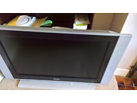 Large TV NOT WORKING SPARES OR REPAIR
