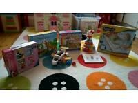 Toy Bundle includes 7 toys (Hello Kitty, Playmobil, Disney)