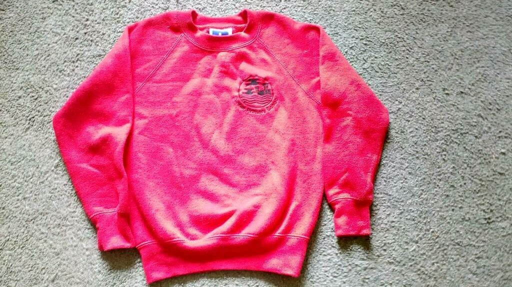 Dunbar Primary School sweatshirts 5 6yrsin Dunbar, East LothianGumtree - Three Dunbar Primary School sweatshirts age 5 6 years. Photos dont show the true colours, they are two red and one black. Hardly used. Will sell for £2 each or £5 for the three