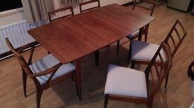 Beautiful Dining Table and Chairs(6) in Teak.