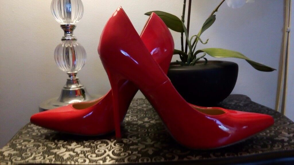 Shoes - Size 5 - 6 pairs - all as new!!