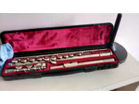 Flute - Yamaha 211 SII Excellent for student with hard case