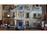 Sylvanian Hotel with furniture & 2 families