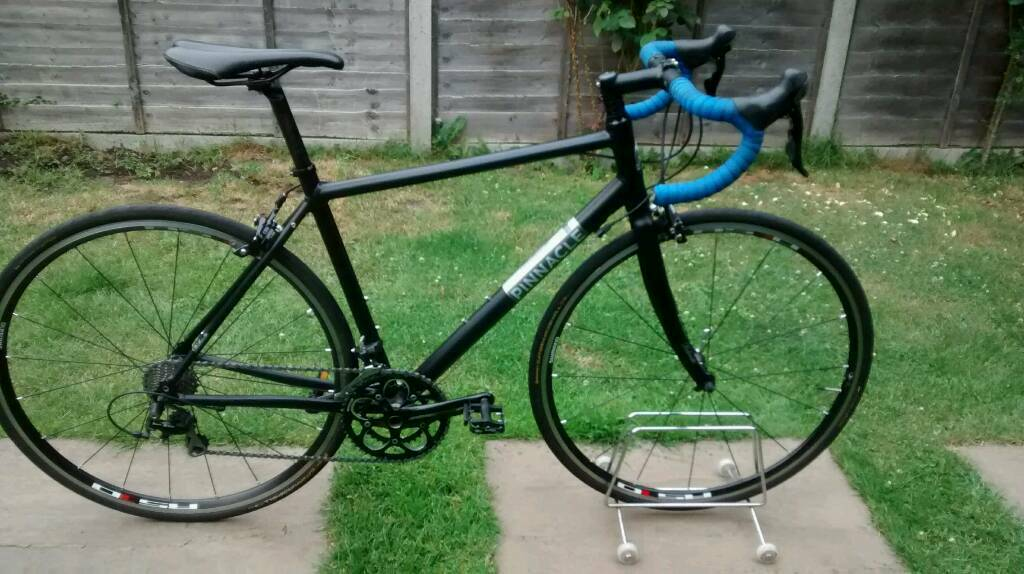 Pinnacle Dolomite 4 road bike, RRP £1000 Shimano 105 groupset, sportive  commuter leisure bicycle | in Sutton, London | Gumtree