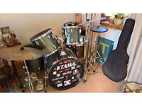 Drum Kit, Cymbals, Double-Bass Pedal, Silencer Pads