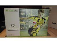 X box One S & Fifa 17 bundle