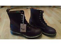 Dr martens airwair brown boots size 7uk / 40 eu mens womens unisex boots