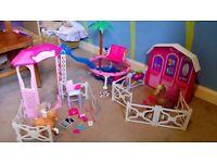 Barbie play sets job lot, no dolls