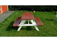 Beautiful bicolour picnic table for sale