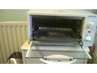 Mini oven and grill (Sabichi) Great condition