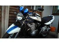 Suzuki bandit 03 600 blue and white