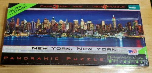 NEW YORK, NEW YORK PANORAMIC PUZZLE OVER 3 FEET WIDE With Twin Towers Glows  - $11.98