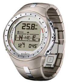 Suunto D9 Ti dive watch with wireless cylinder pressure transmitter.