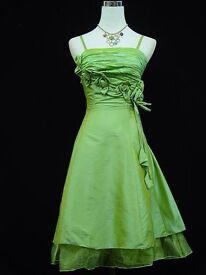 VINTAGE GREEN BRIDESMAID DRESS.