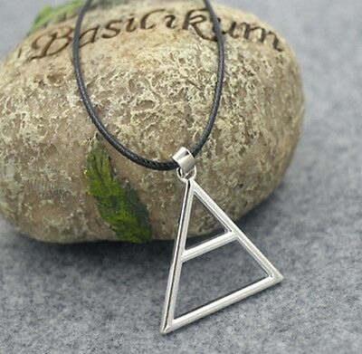 Pendant necklace Triad triangle symbol of the group 30 seconds to - Symbol Of Mars