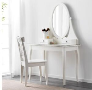 Dressing table with Mirror!!! Almost NEW!!!